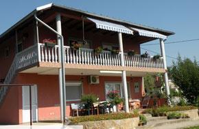Kuća - apartmani na prodaju Banja Vrujci
